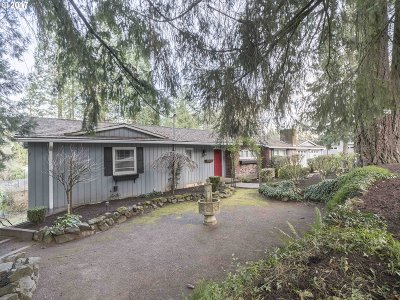 Lake Oswego Single Family Home For Sale: 14260 Uplands Dr