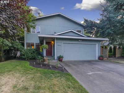 Lake Oswego Single Family Home For Sale: 836 Oak St