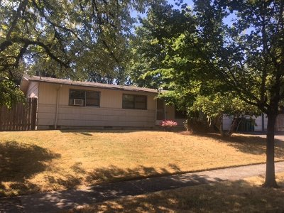 Beaverton Single Family Home For Sale: 7255 SW Bel Aire Dr