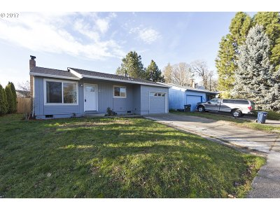 Beaverton Single Family Home For Sale: 1455 SW 211th Ave