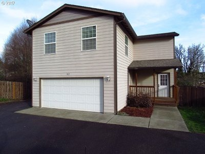 La Center Single Family Home For Sale: 827 NW Pacific Hwy