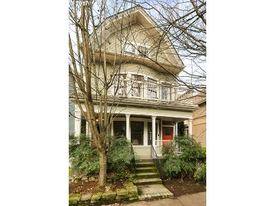 Portland Condo/Townhouse For Sale: 2137 NW Everett St #B