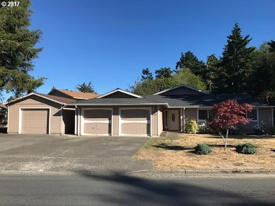 Coos Bay Single Family Home For Sale: 1145 Lakeshore Dr