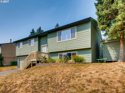 Clackamas Single Family Home For Sale: 13674 SE 116th Ct