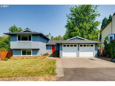 Portland Single Family Home For Sale: 14295 NW Melody Ln