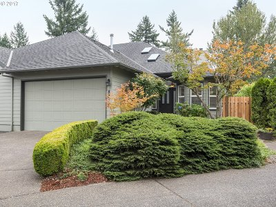 Tualatin Single Family Home For Sale: 8858 SW Stono Dr