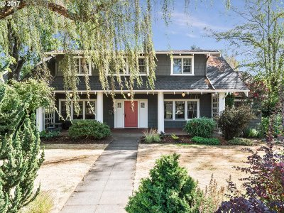 Clackamas County, Multnomah County, Washington County Single Family Home For Sale: 7152 SE 13th Ave