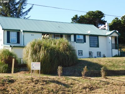 Port Orford Multi Family Home For Sale: 533 Harbor Dr