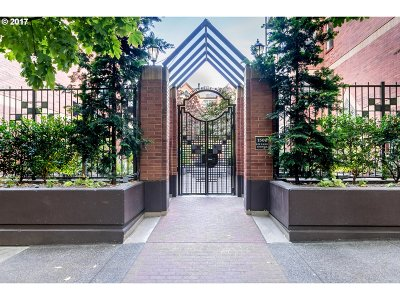 Condo/Townhouse For Sale: 1500 SW Park Ave #309