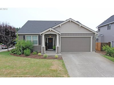 Estacada Single Family Home For Sale: 1020 NE Tailor St