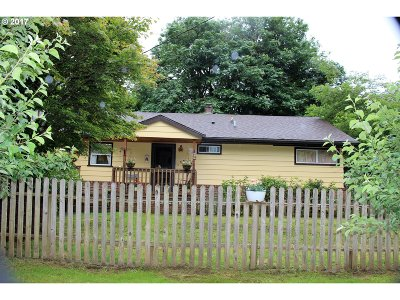 Coos Bay Single Family Home For Sale: 93522 Easy Ln