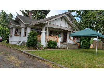 Gresham Single Family Home For Sale: 21260 SE Stark St