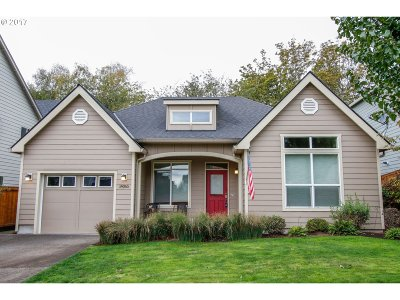Happy Valley, Clackamas Single Family Home For Sale: 14065 SE Sierra Dr