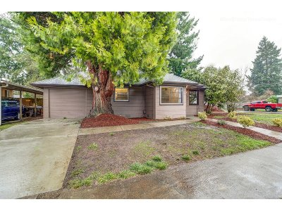 Hillsboro, Cornelius, Forest Grove Single Family Home For Sale: 769 SE Walnut St
