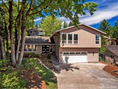 Lake Oswego Single Family Home For Sale: 9 Falstaff St