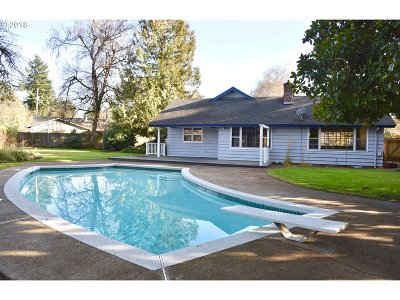 Eugene Single Family Home For Sale: 551 Shire Ct