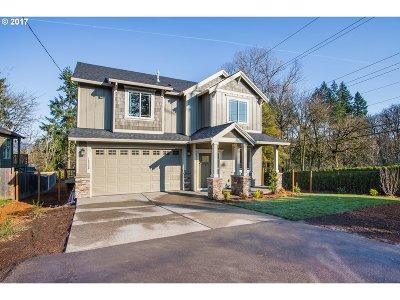 Milwaukie, Gladstone Single Family Home For Sale: 16550 SE Dagmar Rd