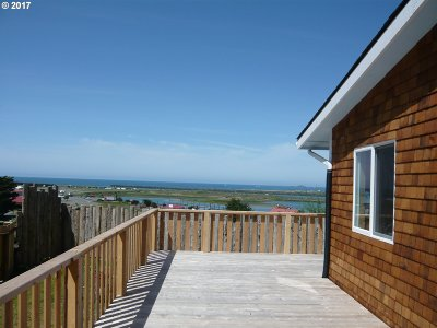 Gold Beach Single Family Home For Sale: 94288 Harbor View Ln