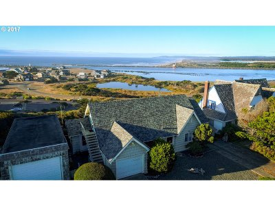 Bandon Single Family Home For Sale: 950 Ocean Dr SW