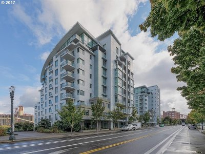 Portland Condo/Townhouse For Sale: 1310 NW Naito Pkwy #809A