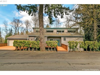 Milwaukie, Gladstone Single Family Home For Sale: 5463 SE Aldercrest Rd