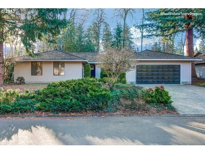 Single Family Home For Sale: 17451 SW Rivendell Dr