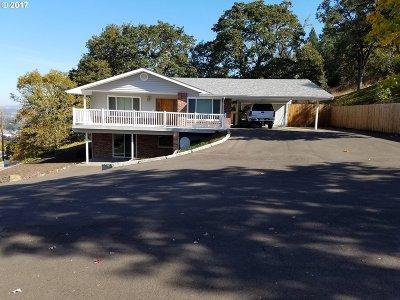 Roseburg Single Family Home For Sale: 2855 W Military Ave