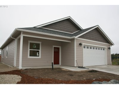 North Bend Single Family Home For Sale: 2292 Laura Ln