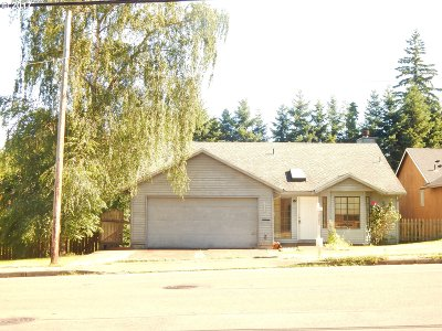 Tigard Single Family Home For Sale: 9530 SW McDonald St SW