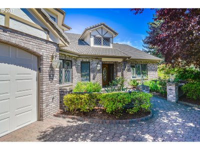 Keizer Single Family Home Bumpable Buyer: 320 Snead Dr