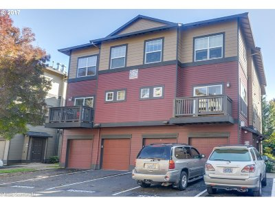 Sherwood, King City Condo/Townhouse For Sale: 22858 SW Forest Creek Dr #203