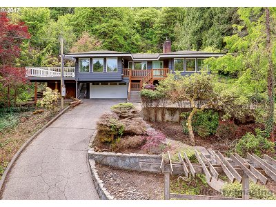 Milwaukie Single Family Home For Sale: 4000 SE Aldercrest Rd
