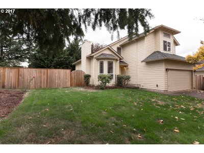 Beaverton Single Family Home For Sale: 16345 SW Deline Ct