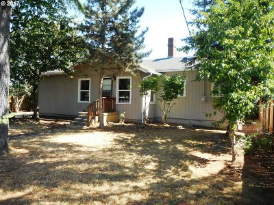 Portland Single Family Home For Sale: 7130 SE 69th Ave