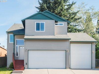 Gresham Single Family Home For Sale: 4579 SE 20th Ter