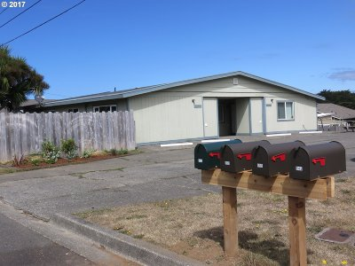 Bandon Single Family Home For Sale: 645 Bluff Ave