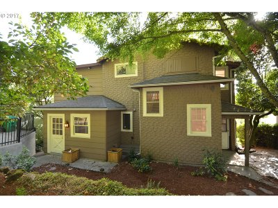 Single Family Home For Sale: 7010 SW Brier Pl