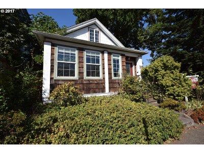 Portland Single Family Home For Sale: 1743 SE Tacoma St