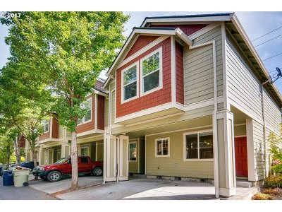 Beaverton Condo/Townhouse For Sale: 1162 NW Perl Way