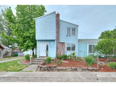 Gresham Single Family Home For Sale: 2689 SW 17th Pl