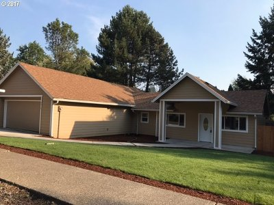 Gresham Single Family Home For Sale: 4910 SE Chase Rd