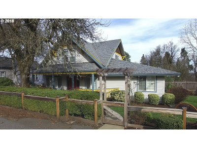 West Linn Single Family Home For Sale: 6515 Lowry Dr