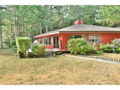 North Bend Single Family Home For Sale: 68469 Ridge Rd