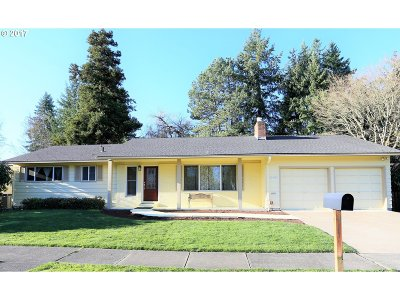 Portland Single Family Home For Sale: 19480 NW Melrose Dr