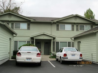 Washougal Condo/Townhouse For Sale: 689 32nd St #4