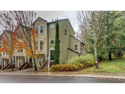 Portland Condo/Townhouse For Sale: 10256 NW Wilshire Ln #23