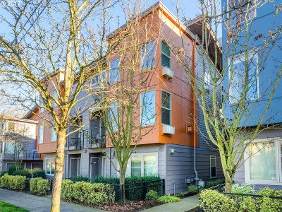 Portland OR Condo/Townhouse For Sale: $369,999