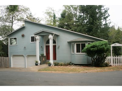 Gold Beach OR Single Family Home For Sale: $289,000