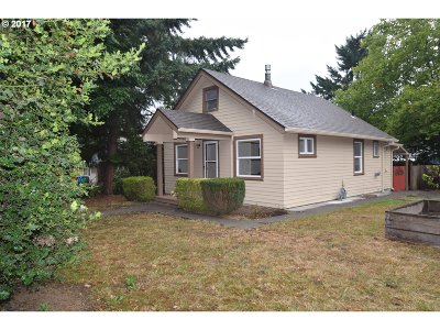 Portland Single Family Home For Sale: 5507 SW Taylors Ferry Rd