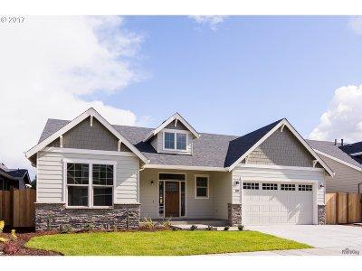 Eugene Single Family Home For Sale: 1820 Cedar Brook Dr